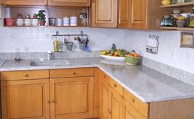 Plan de travail en granit shivakasi finition polie - Plan de travail en marbre pour cuisine ...